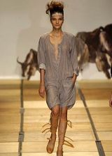 Vivienne Westwood Spring 2005 Ready-to-Wear Collections 0003