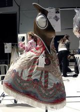 Alexander McQueen Spring 2005 Ready-to-Wear Backstage 0003