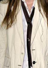 Ann Demeulemeester Spring 2005 Ready-to-Wear Detail 0003
