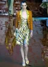 Valentino Spring 2005 Ready-to-Wear Collections 0003