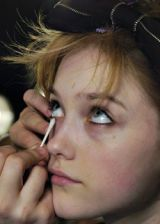 Marc by Marc Jacobs Fall 2005 Ready-to-Wear Backstage 0003