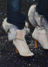Jennifer Lopez Fall 2005 Ready-to-Wear Detail 0002