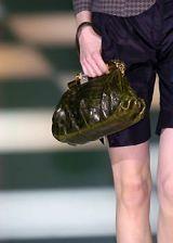 Giorgio Armani Fall 2005 Ready-to-Wear Detail 0003