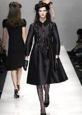Moschino Fall 2005 Ready-to-Wear Collections 0003