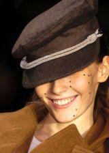 Vivienne Westwood Fall 2005 Ready-to-Wear Detail 0002