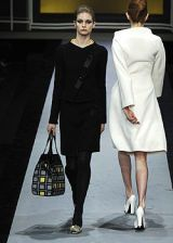 Emanuel Ungaro Fall 2005 Ready-to-Wear Collections 0003