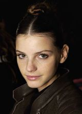 Cacharel Fall 2005 Ready-to-Wear Backstage 0002