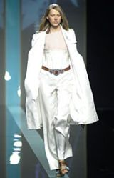 Valentino Spring 2002 Ready-to-Wear Collection 0003