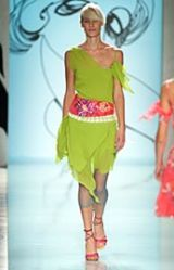 Cacharel Spring 2002 Ready-to-Wear Collection 0002