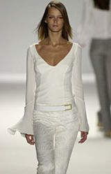 Carolina Herrera Spring 2002 Ready-to-Wear Collection 0003