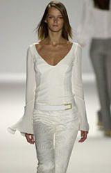 Carolina Herrera Spring 2002 Ready-to-Wear Collection 0003