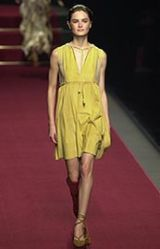 Moschino Spring 2002 Ready-to-Wear Collection 0002