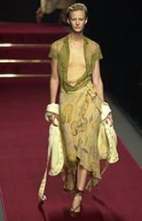 Moschino Spring 2002 Ready-to-Wear Collection 0003