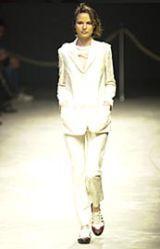 Yohji Yamamoto Spring 2002 Ready-to-Wear Collection 0002