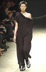 Yohji Yamamoto Spring 2002 Ready-to-Wear Collection 0003