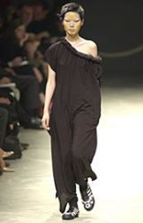 Yohji Yamamoto Spring 2002 Ready-to-Wear Collection 0003
