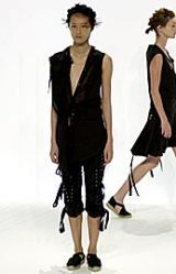 Hussein Chalayan Spring 2002 Ready-to-Wear Collection 0003