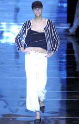 Giorgio Armani Spring 2002 Ready-to-Wear Collection 0003