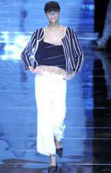 Giorgio Armani Spring 2002 Ready-to-Wear Collection 0003