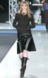 Chanel Fall 2002 Ready-to-Wear Collection 0003