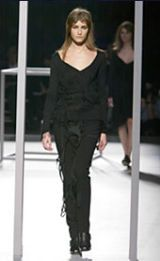 Hussein Chalayan Fall 2002 Ready-to-Wear Collection 0003
