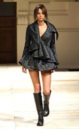 GFFGianfranco Ferre Fall 2002 Ready-to-Wear Collection 0002