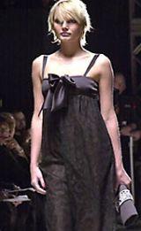 Oscar de La Renta Fall 2002 Ready-to-Wear Collection 0003
