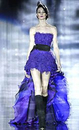 Julien Macdonald Fall 2002 Ready-to-Wear Collection 0002