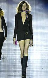 Julien Macdonald Fall 2002 Ready-to-Wear Collection 0003