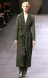 Issey Miyake Fall 2002 Ready-to-Wear Collection 0002
