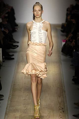 Clothing, Brown, Fashion show, Shoulder, Joint, Runway, Fashion model, Style, Waist, Fashion,