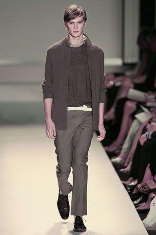 Leg, Sleeve, Shoulder, Textile, Standing, Joint, Style, Fashion show, Fashion model, Fashion,