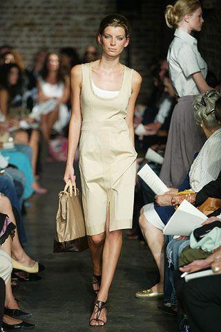 Clothing, Footwear, Leg, Hairstyle, Human body, Event, Human leg, Shoulder, Joint, Outerwear,