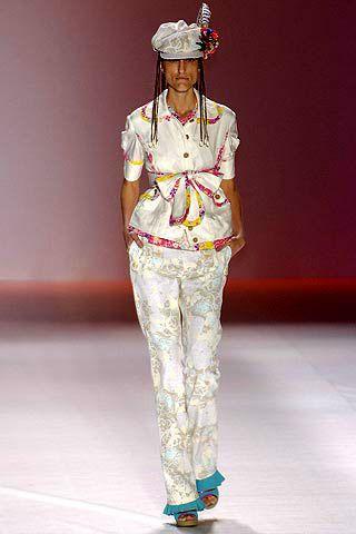 Human body, Standing, Military person, Headgear, Uniform, Fashion, Fashion design, Costume accessory, Fashion model, Costume design,