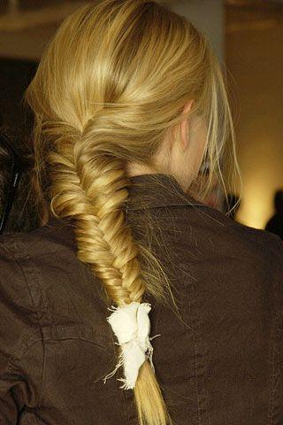 Brown, Hairstyle, Textile, Style, Blond, Long hair, Braid, Brown hair, French braid, Hair coloring,