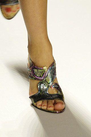Toe, Human leg, Joint, Style, Organ, Foot, Nail, Pattern, Fashion, Teal,