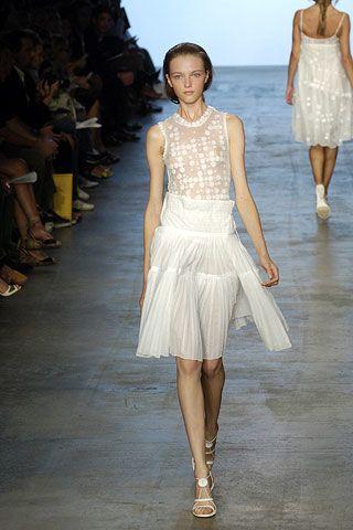 Clothing, Leg, Human body, Event, Shoulder, Fashion show, Human leg, Textile, Joint, Waist,