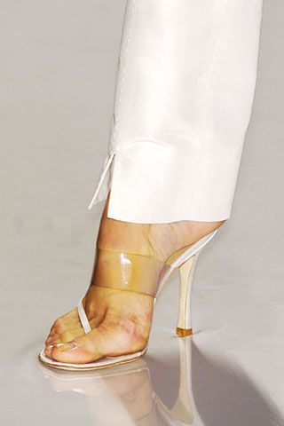 Footwear, Human leg, Joint, Sandal, High heels, Tan, Fashion, Foot, Bridal shoe, Beige,