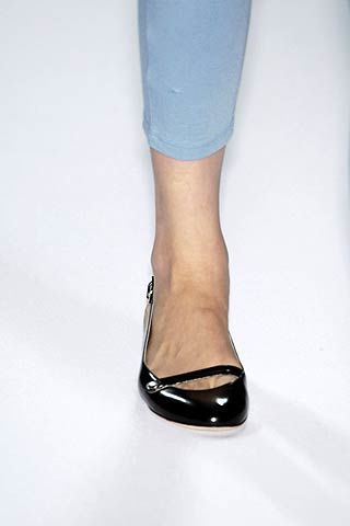 Human leg, Joint, Style, Fashion, Black, Sandal, Dancing shoe, Foot, Ankle, Silver,