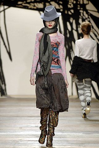 Vivienne Westwood Fall 2006 Ready-to-Wear Collections 0003