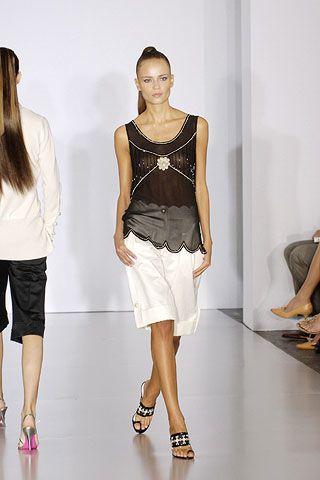 Clothing, Leg, Product, Sleeve, Human leg, Shoulder, Textile, Joint, White, Style,