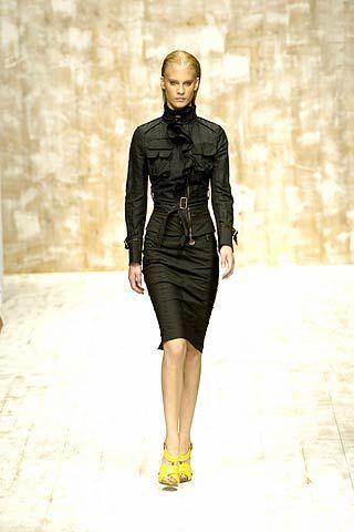 Sleeve, Shoulder, Joint, Style, Waist, Dress, Street fashion, Knee, Fashion model, Fashion,
