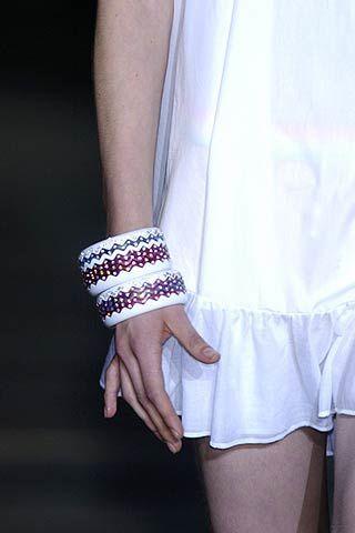 Finger, Sleeve, Wrist, Hand, Joint, Nail, Fashion, Black, Jewellery, Body jewelry,