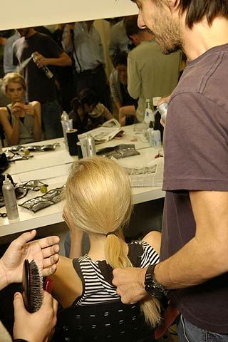 Hair, Arm, Hairstyle, Beauty salon, Wrist, Hairdresser, Facial hair, Beard, Personal grooming, Nail,