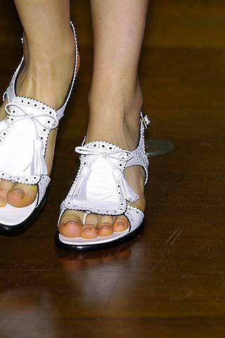 Footwear, Human leg, Joint, Shoe, White, Style, Organ, Fashion, Black, Foot,
