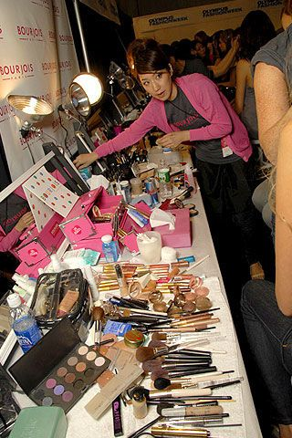 Alice Roi Spring 2007 Ready-to-wear Backstage 0003