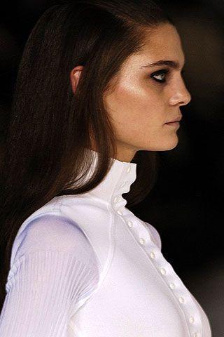 Hair, Lip, Cheek, Hairstyle, Sleeve, Chin, Forehead, Shoulder, Eyebrow, Style,