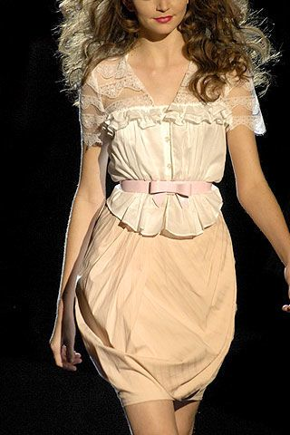 Betsey Johnson Spring 2007 Ready-to-wear Detail 0003