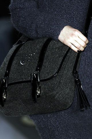 Alice Roi Fall 2006 Ready-to-Wear Detail 0003