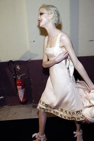 Valentino Spring 2006 Haute Couture Backstage 0003